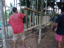 How to Build a Staircase – Treehouse Design, Part 3
