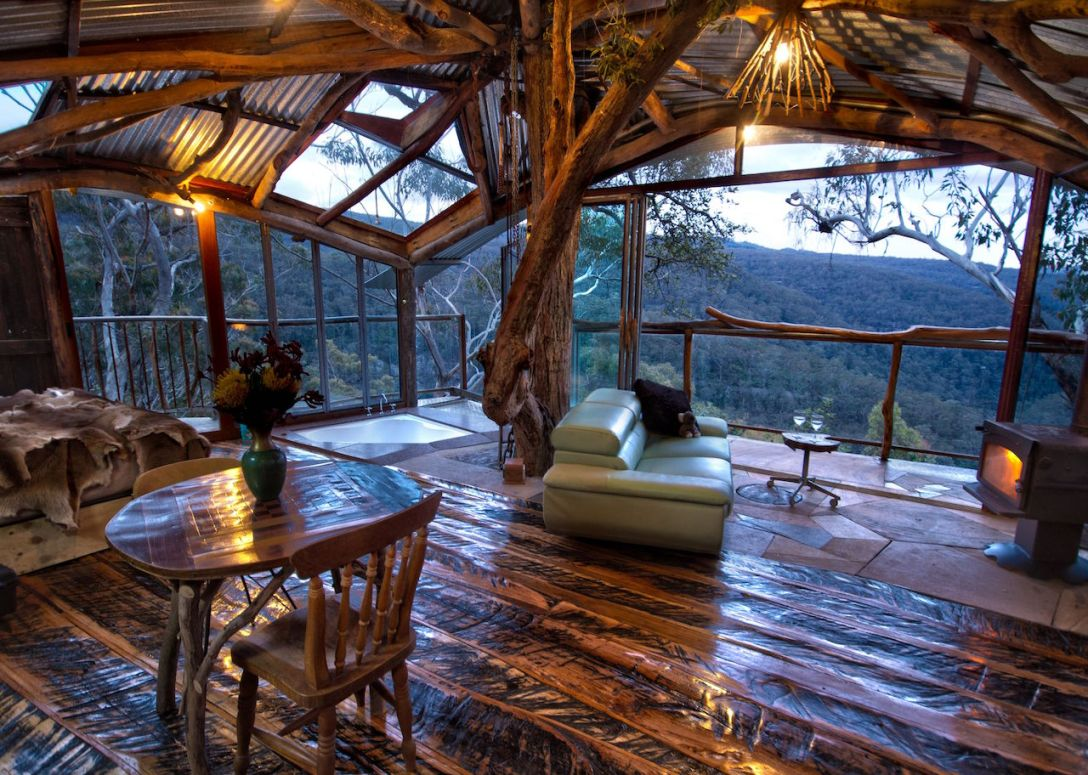 jochen-spencer-treehouse_living